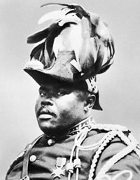 Marcus Garvey arrives USA
